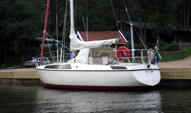 http://www.scancharter.com/wp-content/uploads/boats/10597_maxi95_CIMG0855.jpg
