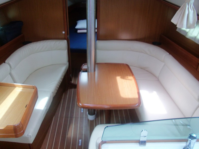 http://www.scancharter.com/wp-content/uploads/boats/14186_00004-so36i-bareboat-charter-greece.jpg