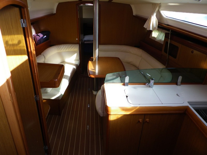 http://www.scancharter.com/wp-content/uploads/boats/14186_00018-so36i-bareboat-charter-greece.jpg