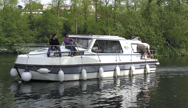 http://www.scancharter.com/wp-content/uploads/boats/14261_nicols-riviera-1130.jpg