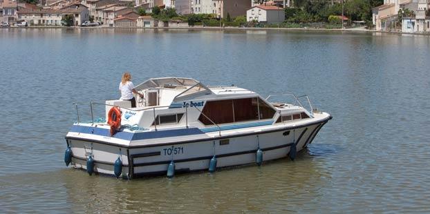 http://www.scancharter.com/wp-content/uploads/boats/14274_tamaris-1.jpg