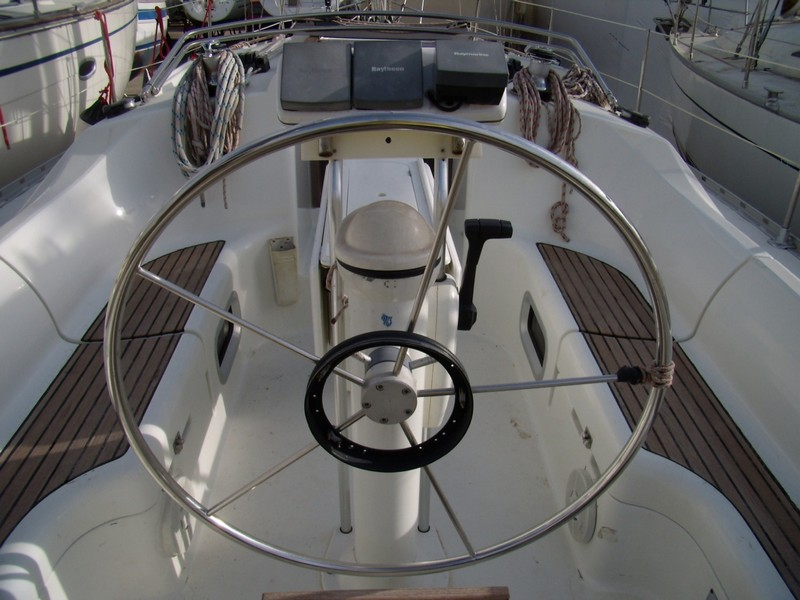 http://www.scancharter.com/wp-content/uploads/boats/14304_jeanneau-so342-yacht-charter-greece-2.jpg