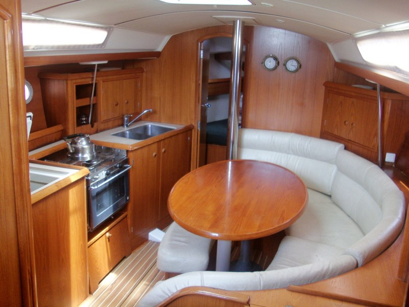 http://www.scancharter.com/wp-content/uploads/boats/14304_jeanneau-so342-yacht-charter-greece-5.jpg