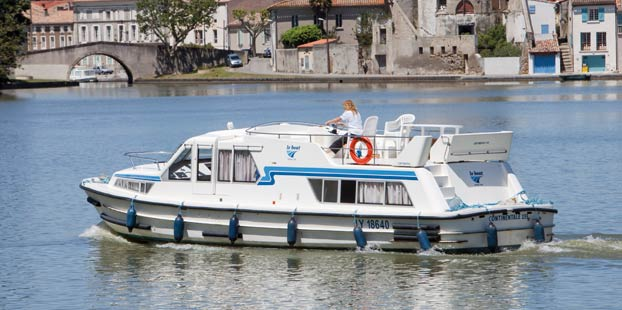http://www.scancharter.com/wp-content/uploads/boats/14311_continentale-1.jpg