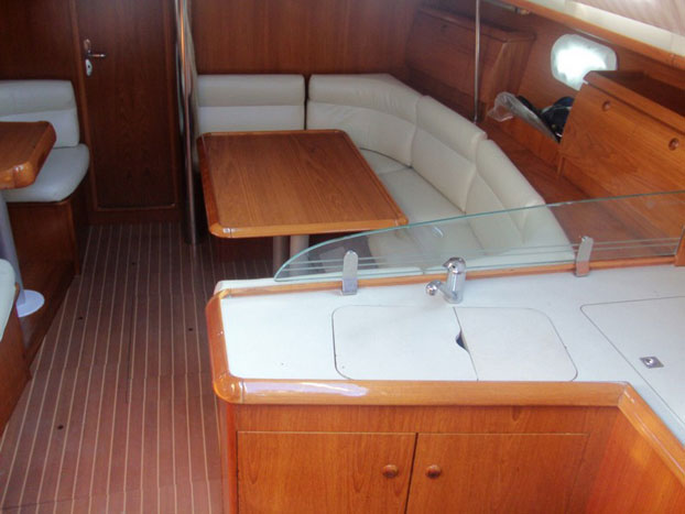 http://www.scancharter.com/wp-content/uploads/boats/14402_jeanneau-so40-yacht-charter-greece-2.jpg