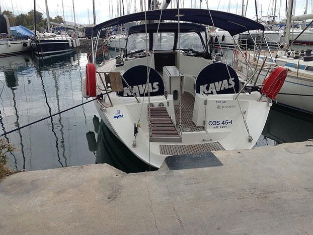 http://www.scancharter.com/wp-content/uploads/boats/14408_jeanneau-sun-odyssey-451-boat-charter-2.jpg