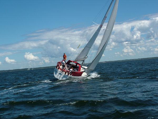 http://www.scancharter.com/wp-content/uploads/boats/14512_charter5.jpg