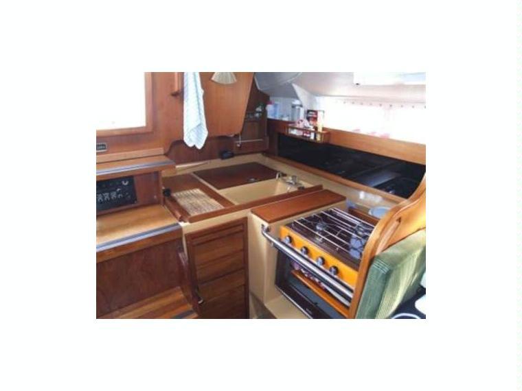 http://www.scancharter.com/wp-content/uploads/boats/14524_kings-cruiser-33-5.jpg
