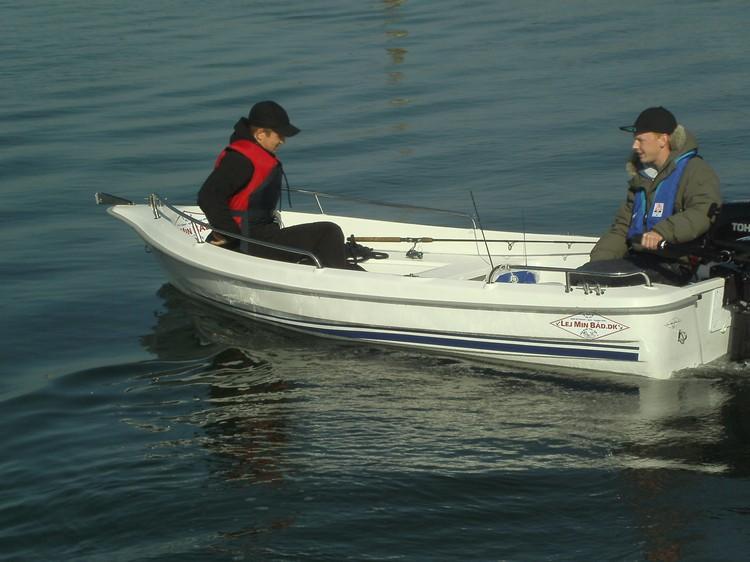 http://www.scancharter.com/wp-content/uploads/boats/15660_image00064.jpg