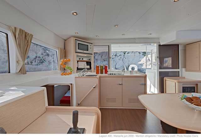 http://www.scancharter.com/wp-content/uploads/boats/16062_lagoon-400_moje_44.jpg