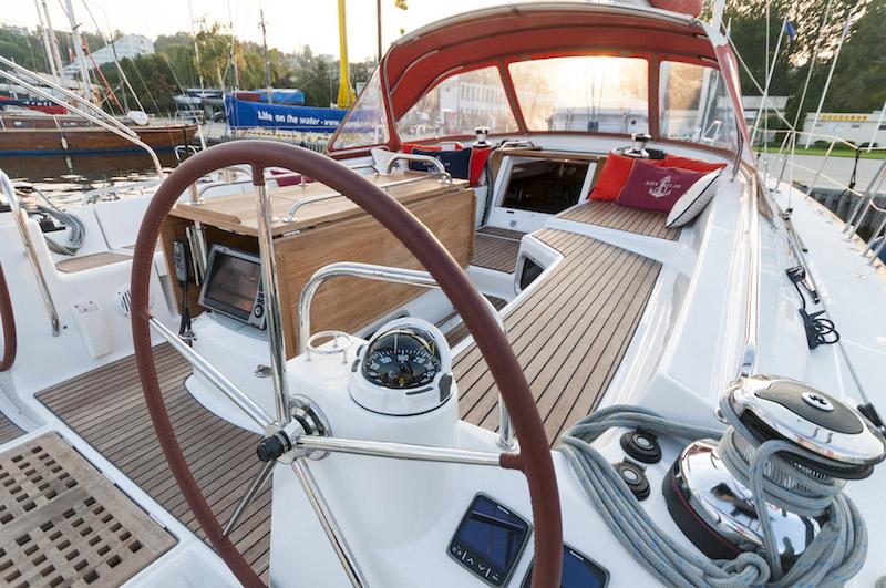 http://www.scancharter.com/wp-content/uploads/boats/16129_juna-yacht-charter-7.jpg