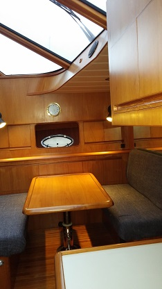 http://www.scancharter.com/wp-content/uploads/boats/16388_dinettes.jpg