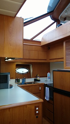 http://www.scancharter.com/wp-content/uploads/boats/16388_kitchens.jpg