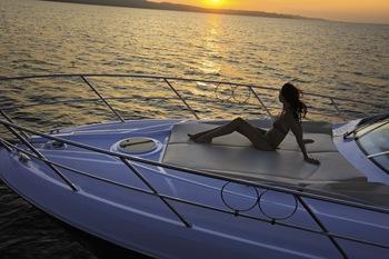 http://www.scancharter.com/wp-content/uploads/boats/16417_detail_1160515f83100a47.jpg