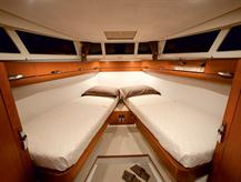 http://www.scancharter.com/wp-content/uploads/boats/16559_greenline_interior-08.jpg