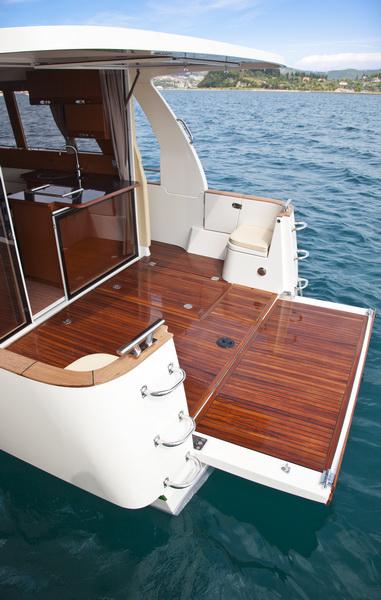 http://www.scancharter.com/wp-content/uploads/boats/16559_greenlinecockpit1.jpg
