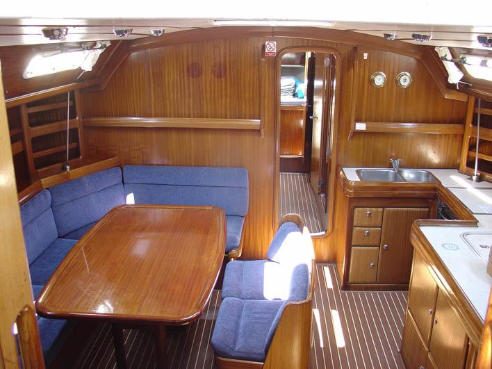 http://www.scancharter.com/wp-content/uploads/boats/16669_dsc03099-4.jpg
