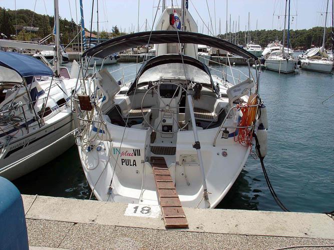 http://www.scancharter.com/wp-content/uploads/boats/16705_bav42-in7-3.jpg