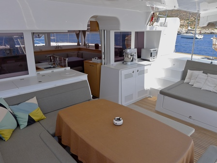 http://www.scancharter.com/wp-content/uploads/boats/16765_dinner-area.jpg