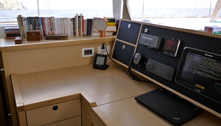 http://www.scancharter.com/wp-content/uploads/boats/16765_instruments.jpg