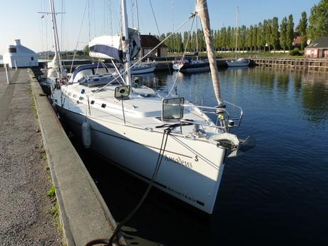 http://www.scancharter.com/wp-content/uploads/boats/16789_ben50seite_steg2.jpg
