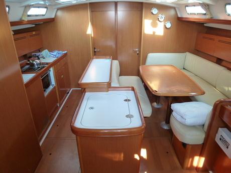 http://www.scancharter.com/wp-content/uploads/boats/16789_ben_50_salon2.jpg