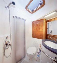 http://www.scancharter.com/wp-content/uploads/boats/16858_owners-badevaerelse-1.jpg