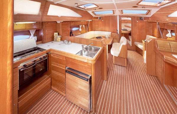 http://www.scancharter.com/wp-content/uploads/boats/16858_salon-1.jpg