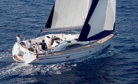 http://www.scancharter.com/wp-content/uploads/boats/16858_sister-styrbord.jpg