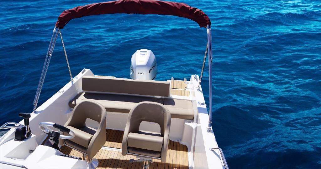 http://www.scancharter.com/wp-content/uploads/boats/16889_05-boat-head3.jpg