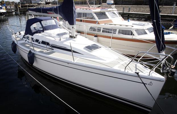 http://www.scancharter.com/wp-content/uploads/boats/8633_dehler-29-1.jpg