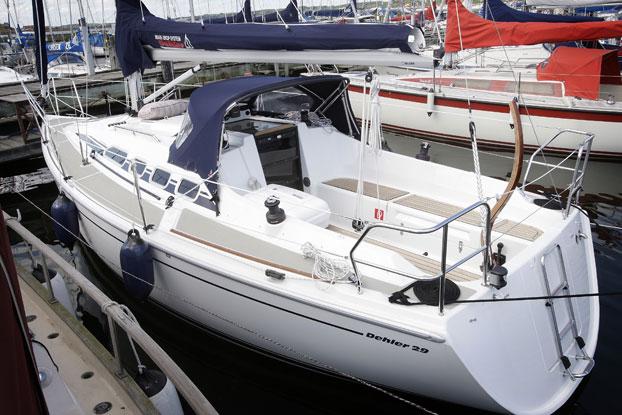 http://www.scancharter.com/wp-content/uploads/boats/8633_dehler-29-2.jpg