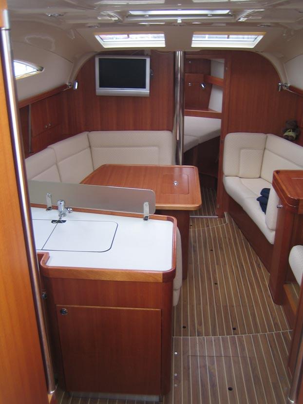 http://www.scancharter.com/wp-content/uploads/boats/9167_elan-384-6.jpg