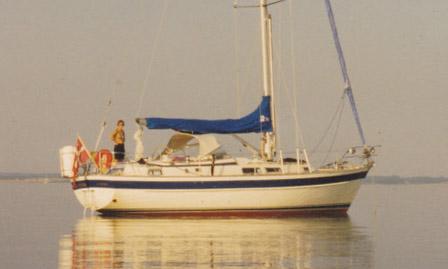 http://www.scancharter.com/wp-content/uploads/boats/9634_hallbergrassy36-2_6.jpg
