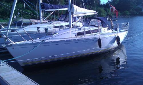 http://www.scancharter.com/wp-content/uploads/boats/9906_jeanneausunlight31.jpg