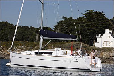 http://www.scancharter.com/wp-content/uploads/boats/9951_jeanneausunodyssey33iperfomens.jpg